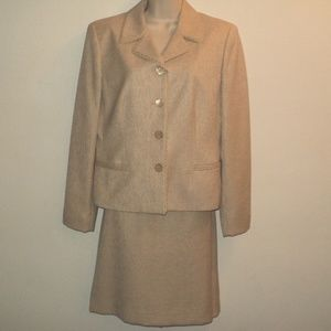 Jones New York Sz 10 Jacket & Skirt Suit Gold-Tan